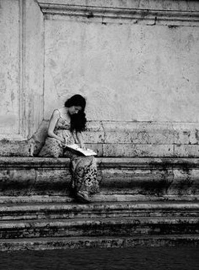 woman-alone1